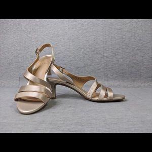 Naturalizer Taimi Heels